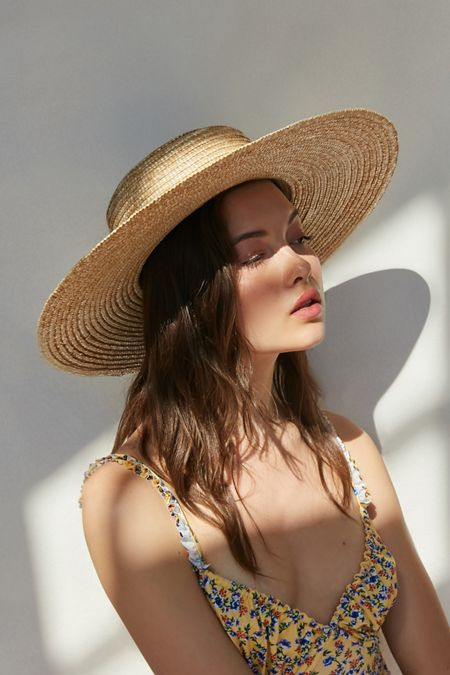 4299ba8d879 UO Large Straw Boater Hat