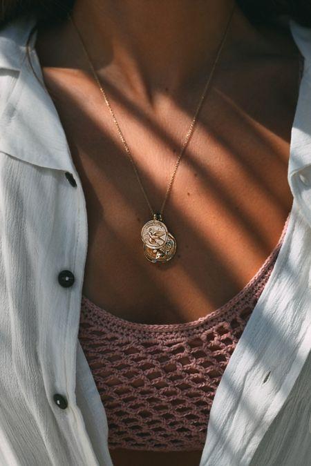 1a4a512271e715 Mia Colona & UO Exclusive Coin Pendant Necklace
