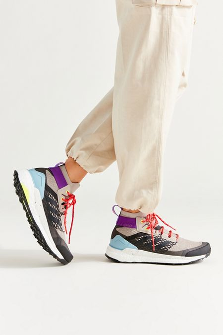 innovative design f5afc 6afff Women's Athletic & Fashion Sneakers | Urban Outfitters