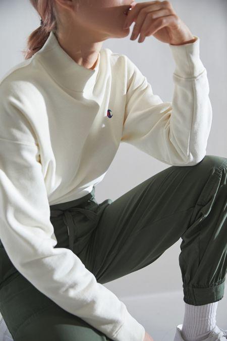 1bb13be553 Champion UO Exclusive Reverse Weave Mock Neck Sweatshirt