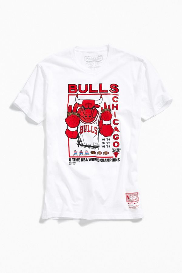 new style 60c44 9c7ff Mitchell & Ness Chicago Bulls Tee