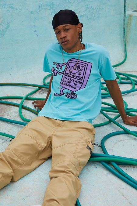 3c01e4c342 Graphic T-Shirts + Sweatshirts for Men | Urban Outfitters