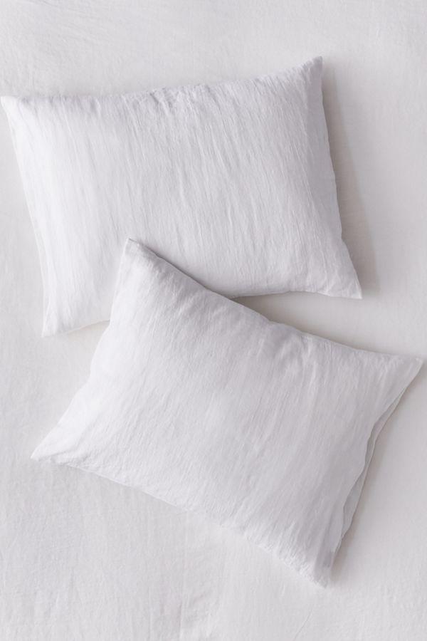 Slide View: 1: MagicLinen Pillowcase Set