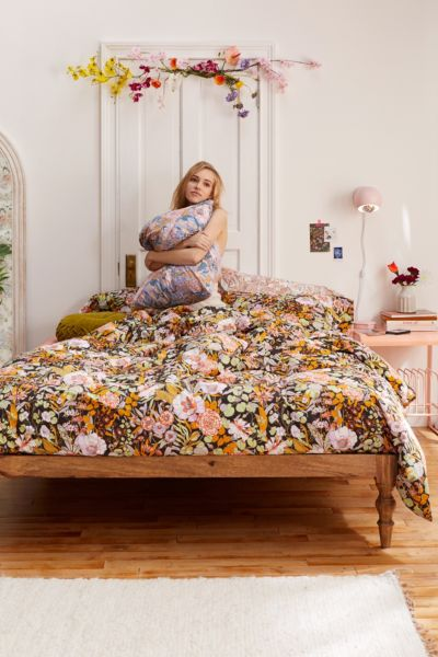 Mila Sketched Floral Duvet Set Urban Outfitters Canada