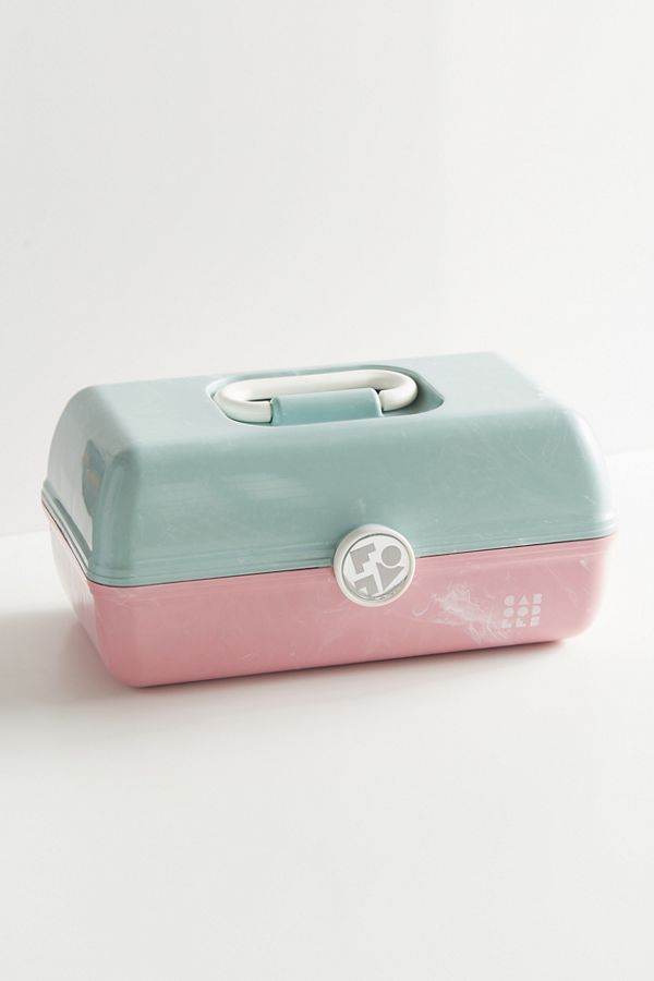 Caboodles Uo Exclusive On The Go Girl Makeup Case Urban Outfitters