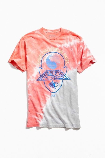 3b558066 Graphic T-Shirts + Sweatshirts for Men | Urban Outfitters