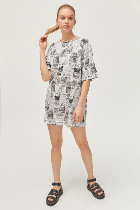 6c30dfffaddb Motel Sunny Kiss Tarot Print T-Shirt Dress