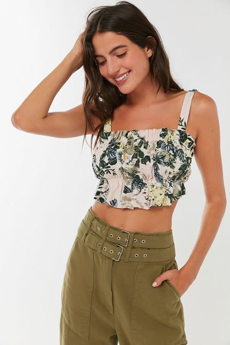 b46389645d040d UO Riley Ruffle Tie-Back Cropped Top