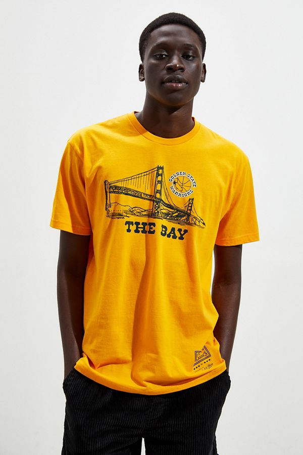 pretty nice caba7 fc9f4 Mitchell & Ness Golden State Warriors Bay Tee