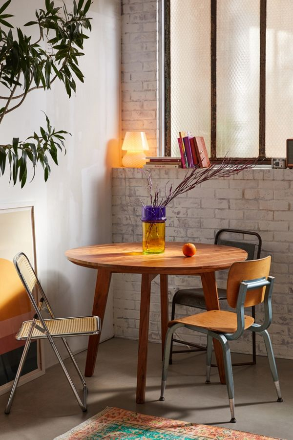 Slide View: 1: Jessa Round Dining Table