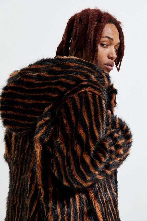 Manteau UO fausse à exclusif fourrure en capuchon Unreal Fur à MSzVpU