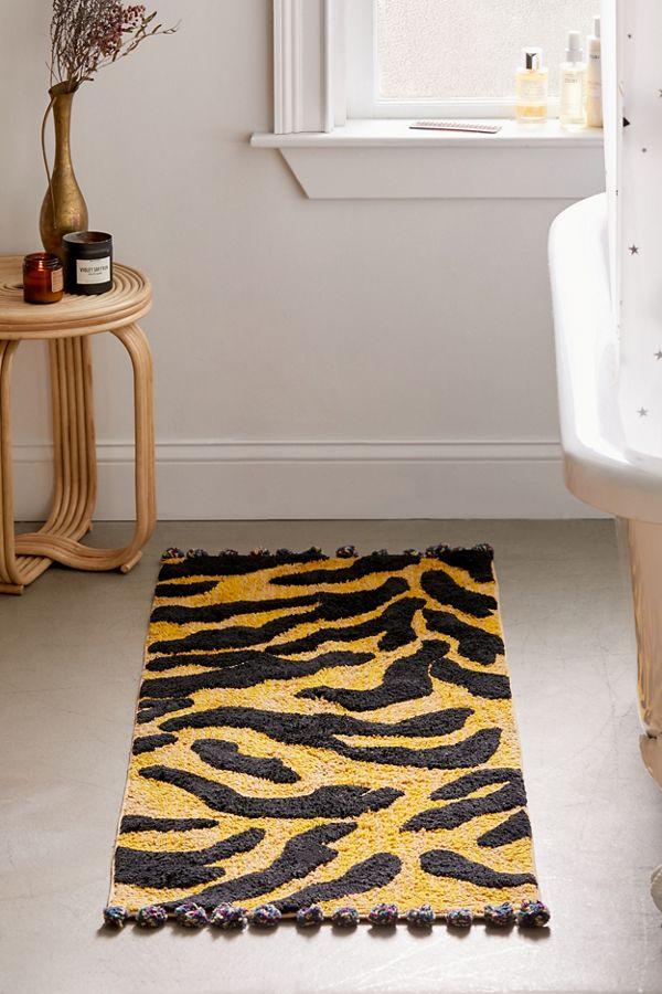 Slide View: 1: Talia Tiger Runner Bath Mat