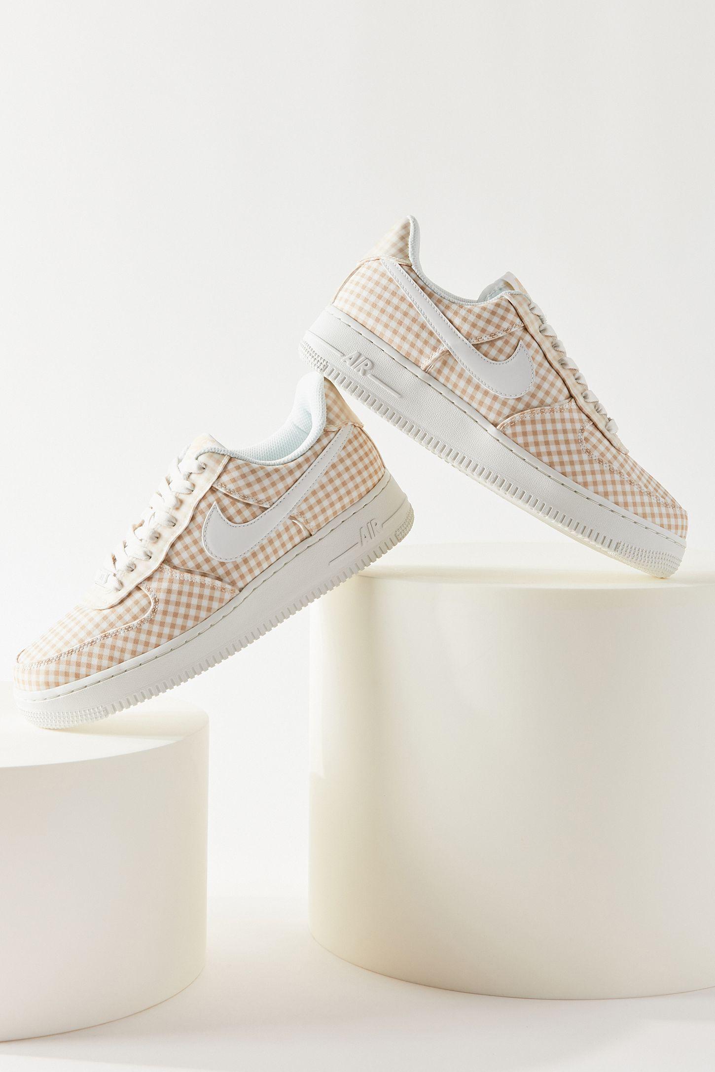 Nike Air Force 1 '07 QS Sneaker