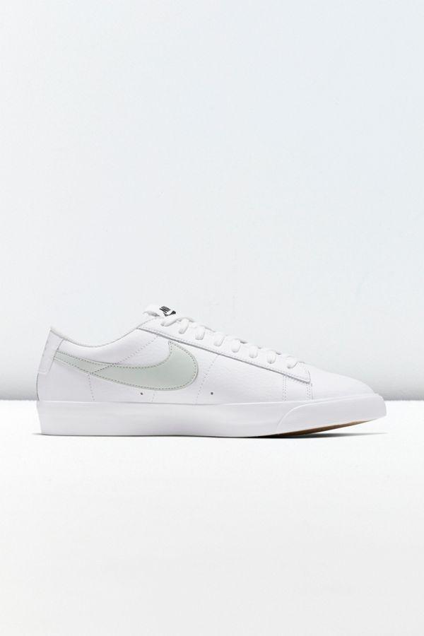 cozy fresh a896e ed112 Nike Blazer Low LX Sneaker