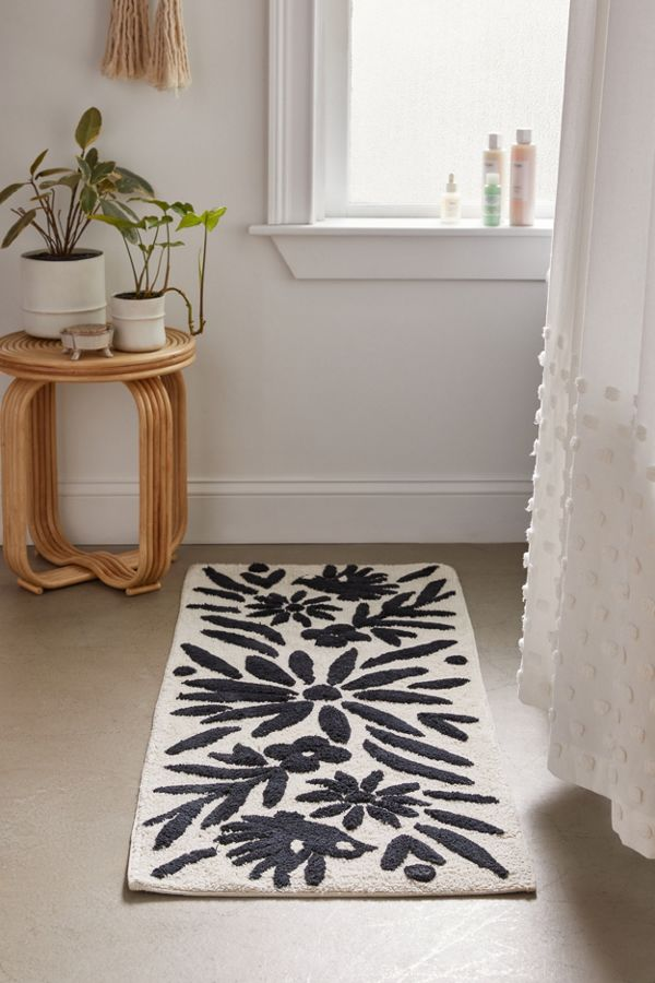 Slide View: 1: Anita Runner Bath Mat