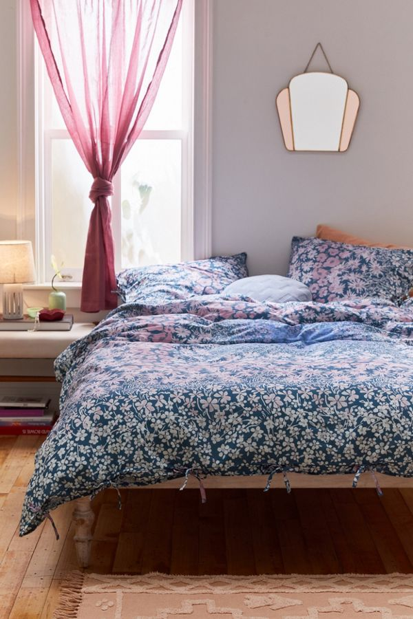 Slide View: 1: Raquel Duvet Cover