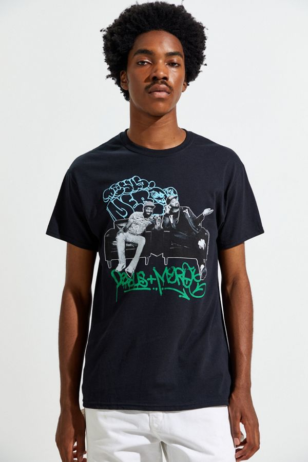 Phenomenal Desus Mero Graffiti Couch Tee Caraccident5 Cool Chair Designs And Ideas Caraccident5Info