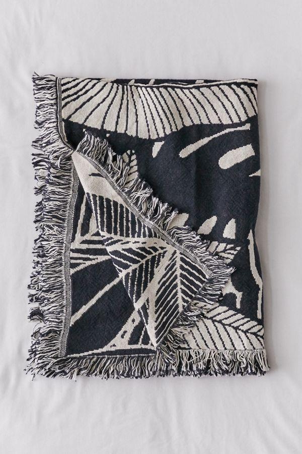 Slide View: 2: Calhoun & Co. Jungle Reversible Woven Throw Blanket