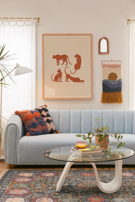 Love Seats Stoelen.Sofas Sectionals Couches Daybeds Loveseats Urban Outfitters