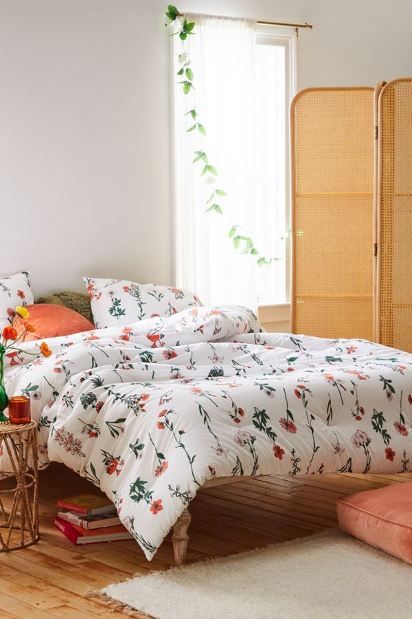 Slide View: 1: Georgina Floral Comforter Set