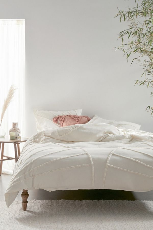 Slide View: 1: Eden Tufted Duvet Cover