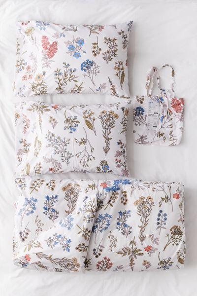 Picture of: Myla Floral Duvet Set Urban Outfitters