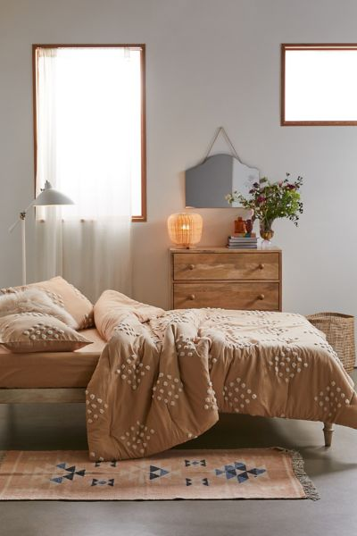 Picture of: Geo Tufted Comforter Snooze Set Urban Outfitters