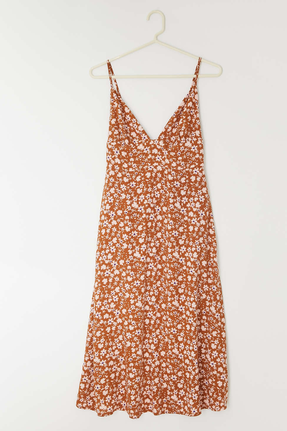 Dress Forum Floral V-Neck Midi Dress | Urban Outfitters