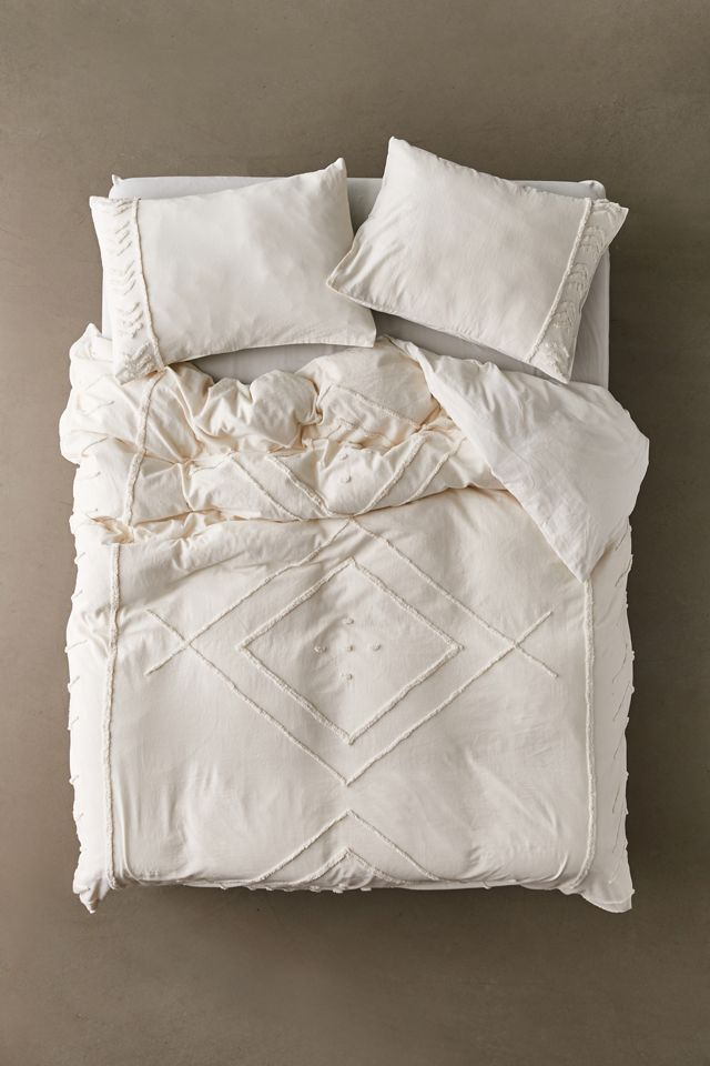 Eliaf Tufted Duvet Cover Urban Outfitters