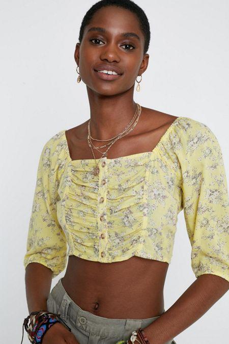 de007b91d11 UO Laura Floral Button-Front Cropped Top