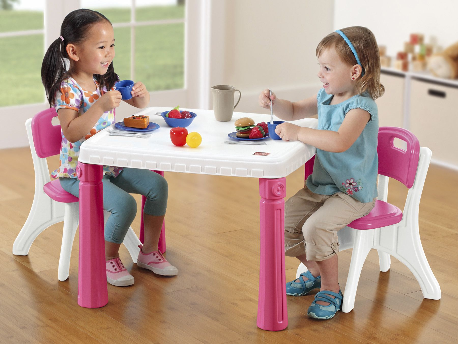 Step 9 Life Style Kitchen Table & Chair Set Pink