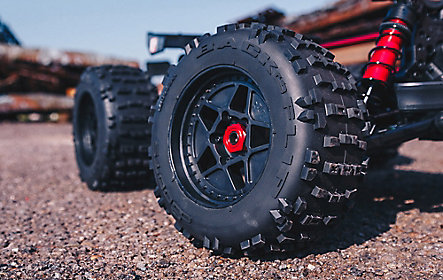 STUNT TRUCK WHEELS & DBOOTS BACKFLIP TYRES