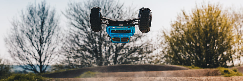 ARRMA NOTORIOUS 6S BLX 1/8 4WD Electric Stunt Truck