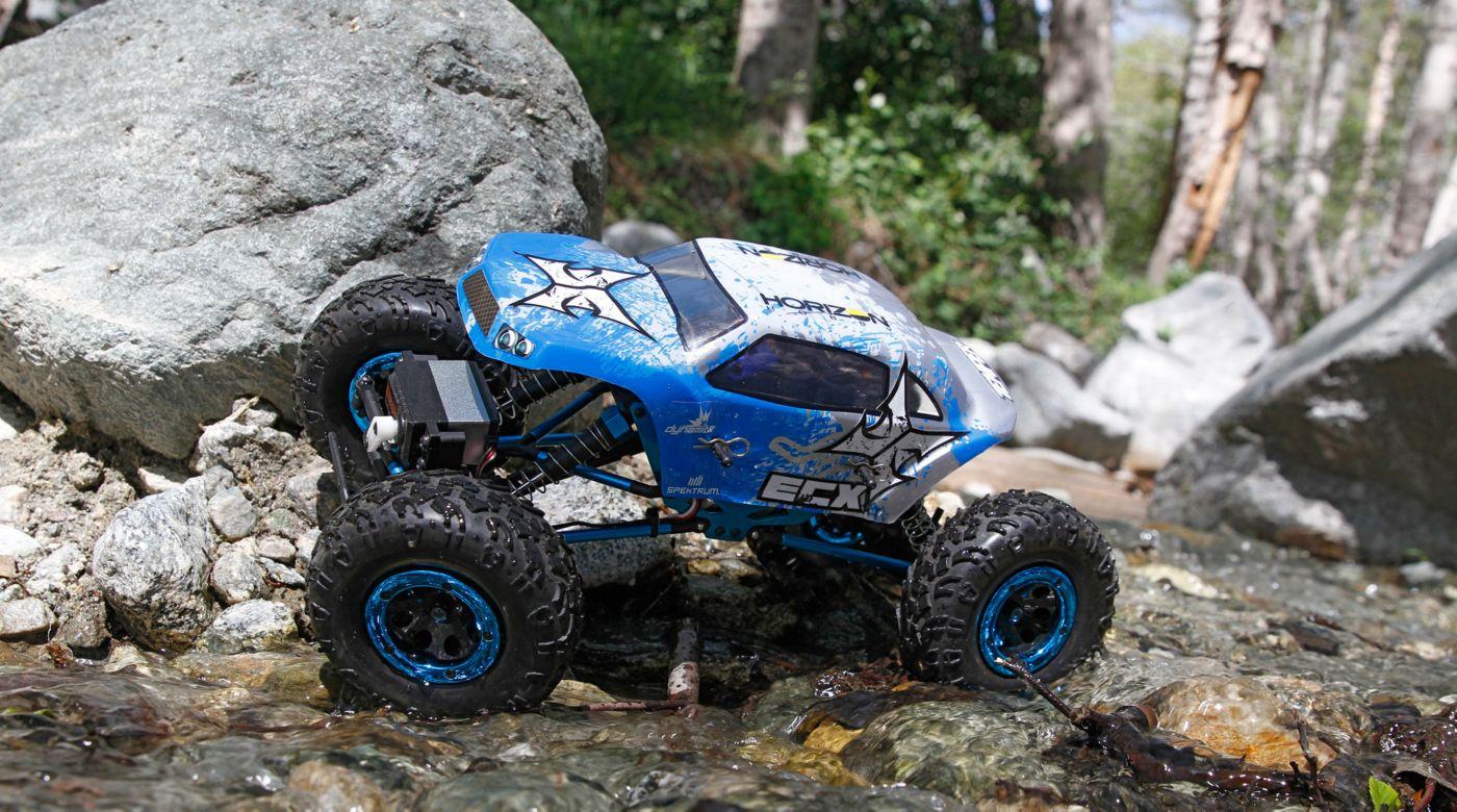 1 18 temper 4wd rock crawler brushed rtr blue white horizonhobby rh horizonhobby com rock crawling manual vs automatic Mud Bogging