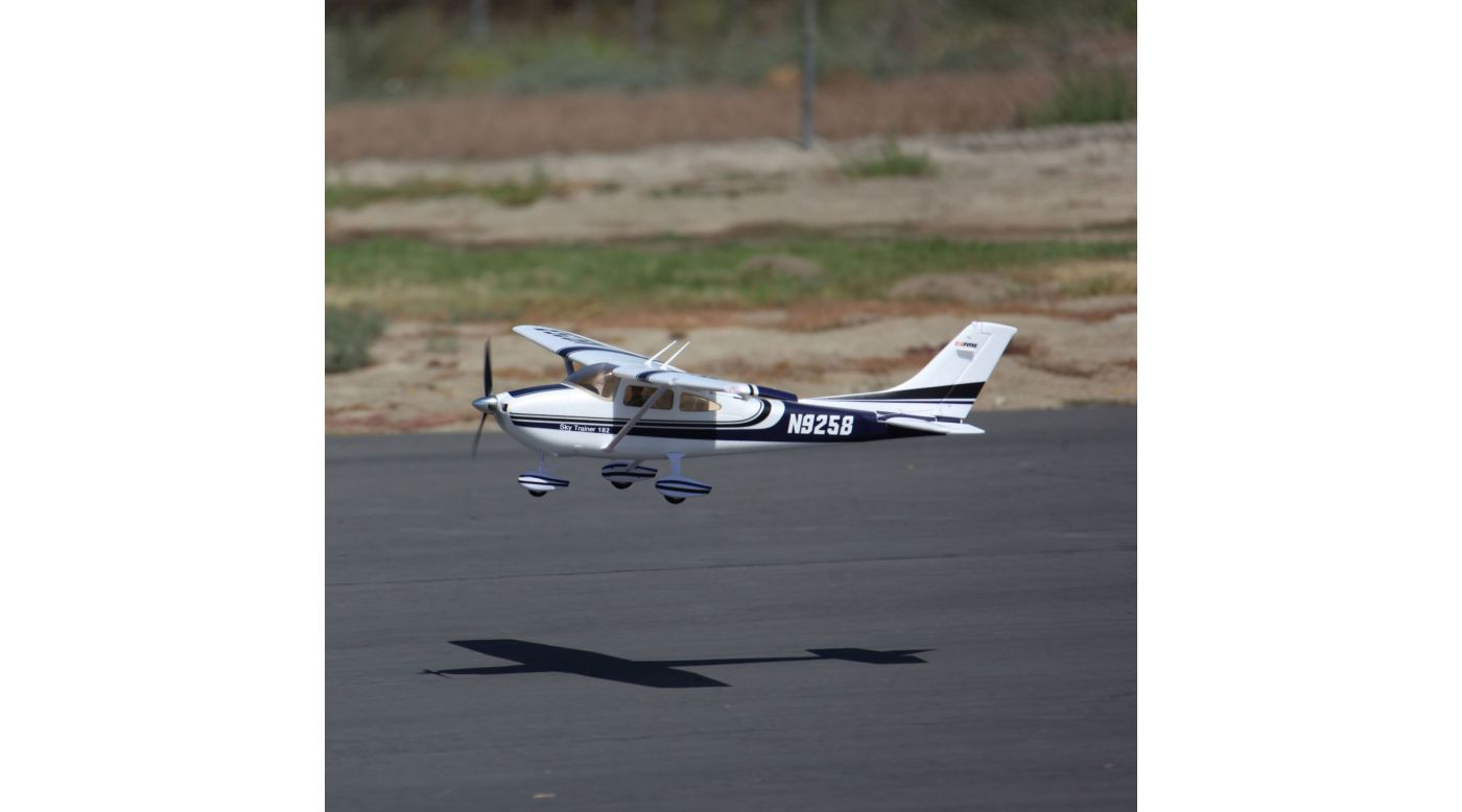 Image for Sky Trainer 182 RTF, 1100mm: Blue from HorizonHobby