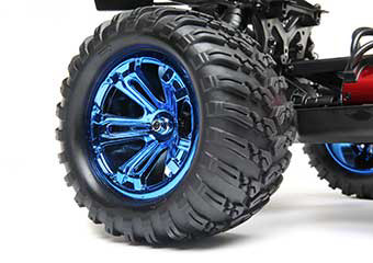 Stylish Wheel and Tire Design