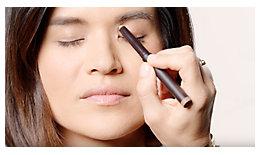 How to Create an Easy Winged Eye Look   Laura Mercier