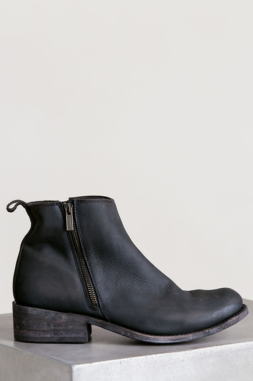 Men's Liberty Black Distressed Leather Ankle Boots