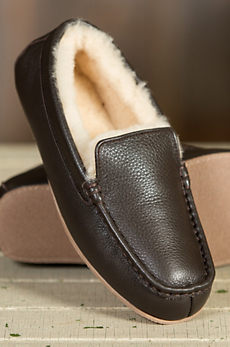 Men's Overland Grayson Sheepskin Moccasin Slippers