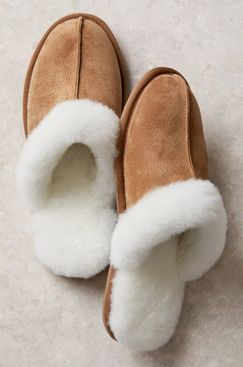 Women's Classic Shearling-Lined Scuff Slippers