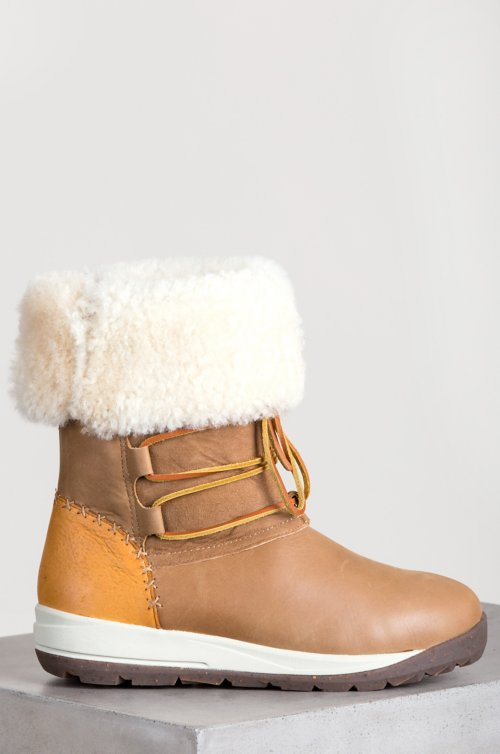 Women's Ulu Raven Shearling-Lined Leather Boots with American Elkskin Trim
