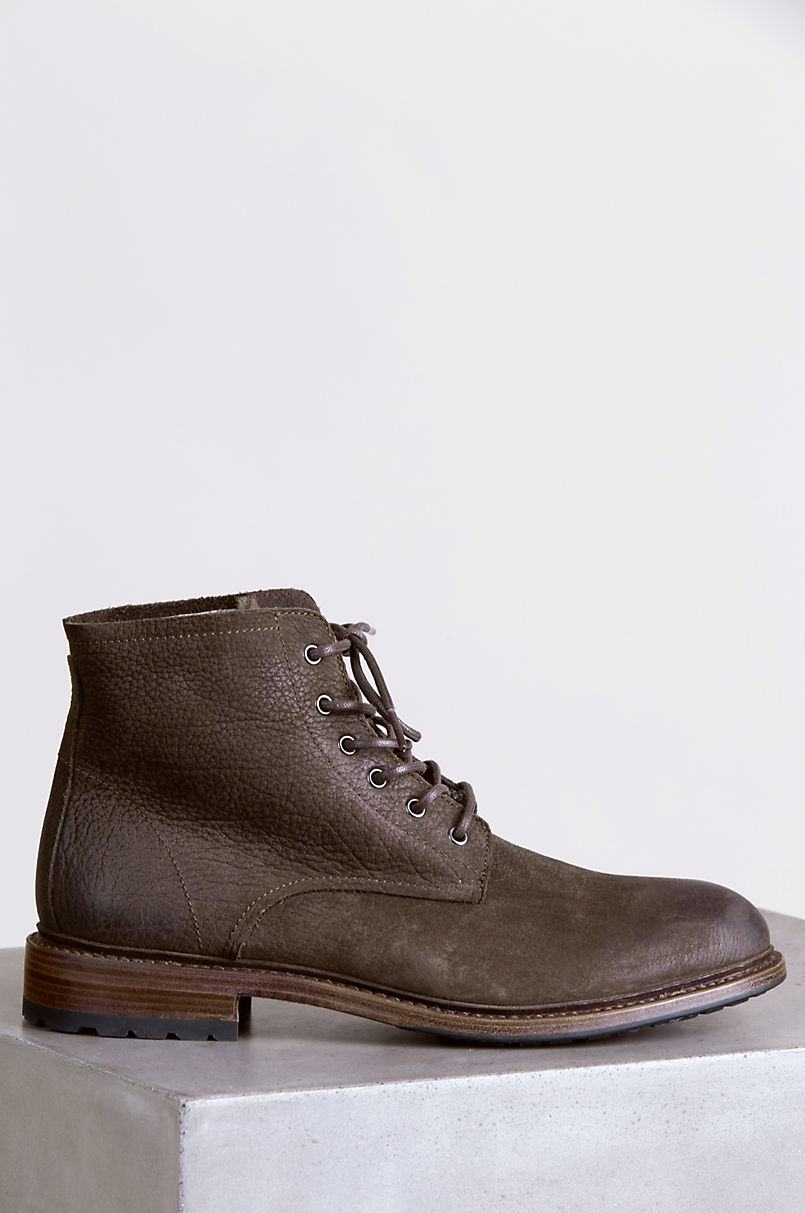 Men's Blackstone KM32 Shearling-Lined Leather Boots
