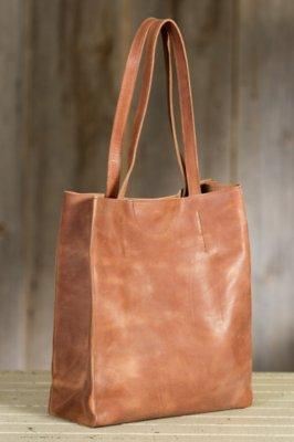 Giovana Leather Tote Bag