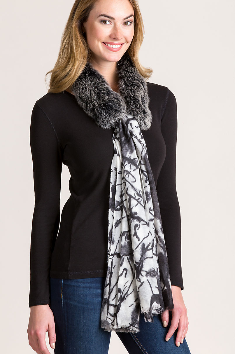 Cashmere Scarf with Detachable Fox Fur Collar