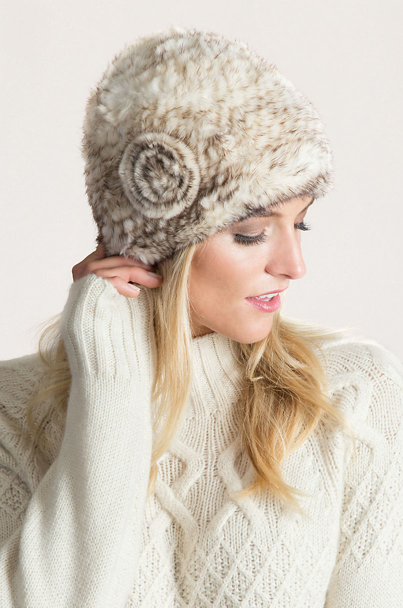 67103896efca1 Knitted Mink Fur Beanie Hat with Fur Flower