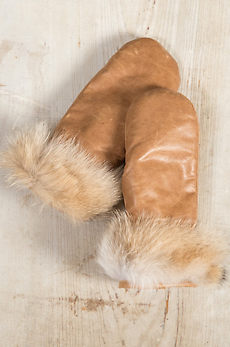 Women's Shearling-Lined Leather Mittens with Coyote Fur Trim