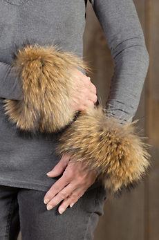 Women's Finn Raccoon Fur Snap Cuffs