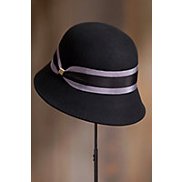 8 Easy 1920s Costumes You Can Make Womens Classic Wool Felt Cloche Hat BLACK Size One size 6 $49.00 AT vintagedancer.com