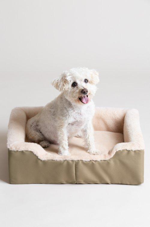 "Overland 15"" x 21"" Medium Sheepskin Pet Bed"