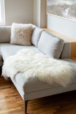 Overland Single-Pelt Icelandic Sheepskin Rug
